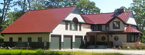 Metal roofing pros and cons - Metallic roof tiles vs bitumen sheets pros and cons ...