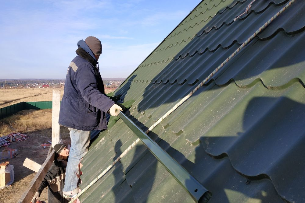 measuring the metal roof
